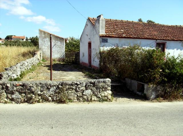 Entrada do terreno com Casa e Arrecadação
